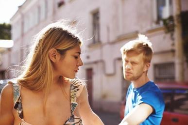 Naine ja mees tülis