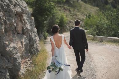 Äsja abiellunud jalutavad