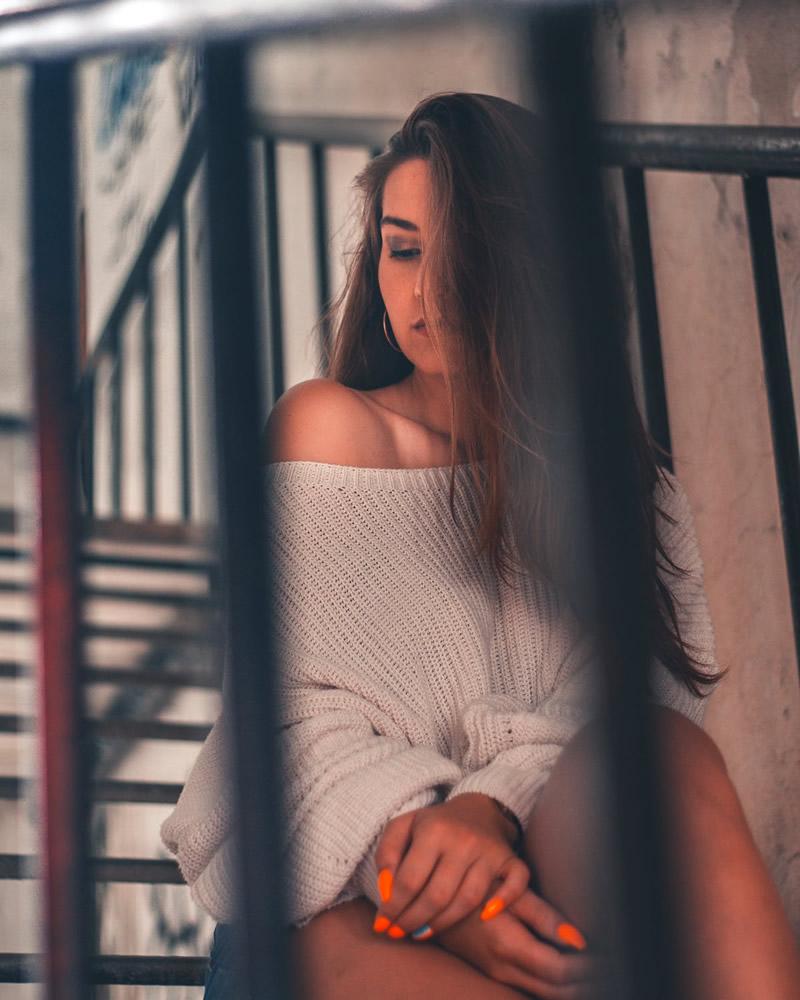 Üksildane naine