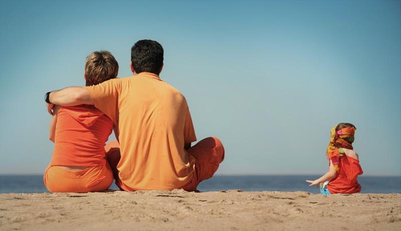 Pere lapsega koos mere ääres
