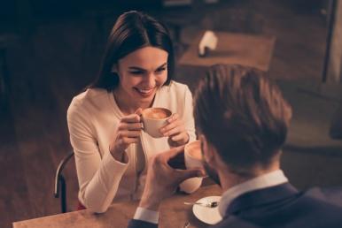 Kohtingul kohvikus