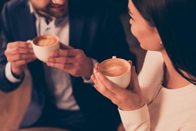 Viisakas kohting kohviga