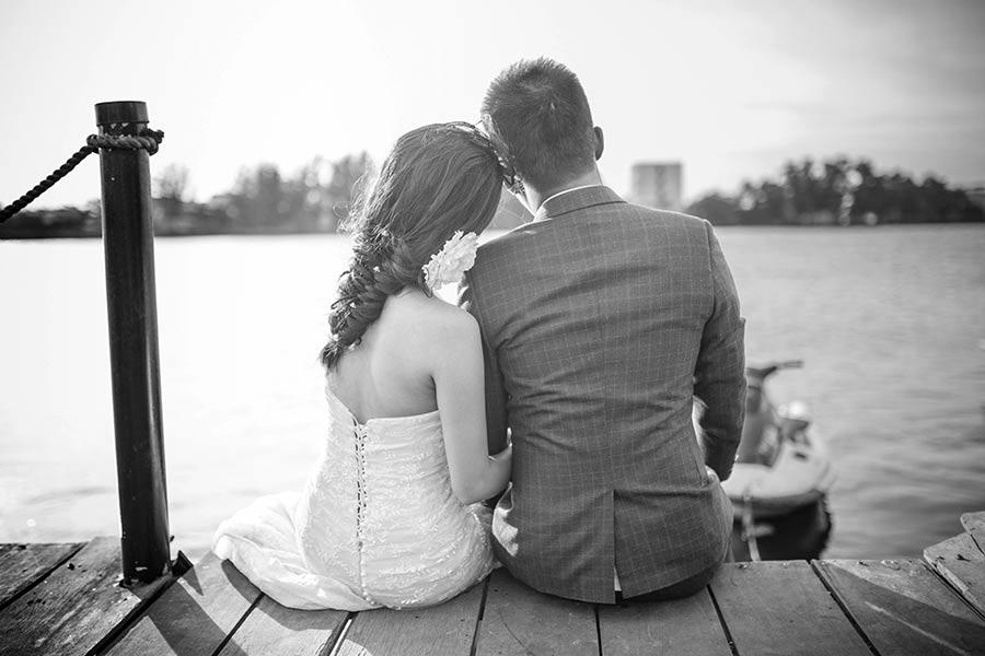 Armas paarike vaatab koos tulevikku